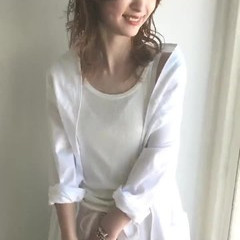 ミディアム アンニュイ バレイヤージュ レイヤーカット ヘアスタイルや髪型の写真・画像