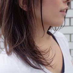 ストレート ナチュラル セミロング イルミナカラー ヘアスタイルや髪型の写真・画像