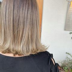 伸ばしかけ ミディアム ロブ ストリート ヘアスタイルや髪型の写真・画像