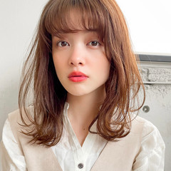 透明感カラー ウルフカット ミディアム パーマ ヘアスタイルや髪型の写真・画像