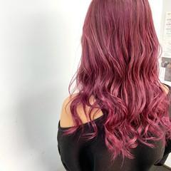 ナチュラル ロング ピンク ピンクカラー ヘアスタイルや髪型の写真・画像