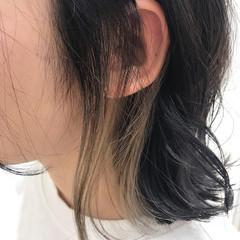 ナチュラル可愛い インナーカラー モード ポイントカラー ヘアスタイルや髪型の写真・画像