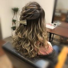 編み込み ハーフアップ フェミニン セミロング ヘアスタイルや髪型の写真・画像