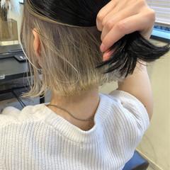 切りっぱなしボブ インナーカラー ボブ グレージュ ヘアスタイルや髪型の写真・画像