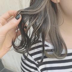 デート ストリート グレージュ ブリーチ ヘアスタイルや髪型の写真・画像