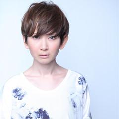 大人かわいい ショート 外国人風 グラデーションカラー ヘアスタイルや髪型の写真・画像