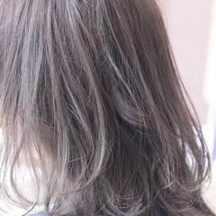 外国人風カラー グレージュ ナチュラル アッシュ ヘアスタイルや髪型の写真・画像
