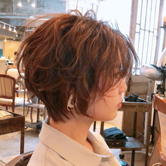 切りっぱなしボブ モード インナーカラー ショート ヘアスタイルや髪型の写真・画像
