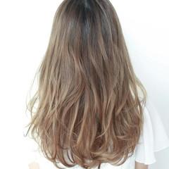 ロング エレガント 上品 イルミナカラー ヘアスタイルや髪型の写真・画像