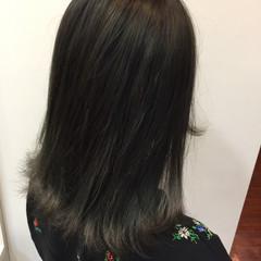 アッシュグレージュ 色気 ニュアンス ミディアム ヘアスタイルや髪型の写真・画像