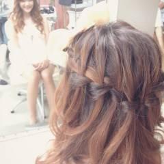 編み込み ヘアアレンジ ウォーターフォール ヘアスタイルや髪型の写真・画像