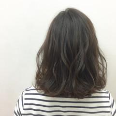 ブラウンベージュ ナチュラル アッシュベージュ ミディアム ヘアスタイルや髪型の写真・画像