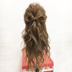 フェミニン ヘアアレンジ ロング ハーフアップ ヘアスタイルや髪型の写真・画像