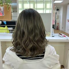 透明感カラー オリーブカラー ミディアム 韓国風ヘアー ヘアスタイルや髪型の写真・画像
