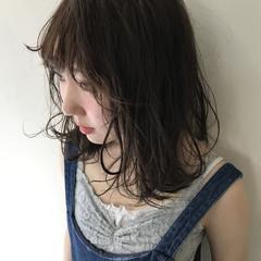 ミディアム 切りっぱなしボブ ショートヘア 透け感アッシュ ヘアスタイルや髪型の写真・画像