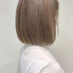 ミニボブ 大人ヘアスタイル ボブ 極細ハイライト ヘアスタイルや髪型の写真・画像