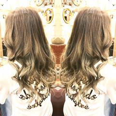 ガーリー ロング カール イルミナカラー ヘアスタイルや髪型の写真・画像