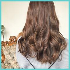 ヘアアレンジ ウェーブ ナチュラル フェミニン ヘアスタイルや髪型の写真・画像