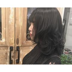 アッシュ ミディアム 秋 暗髪 ヘアスタイルや髪型の写真・画像
