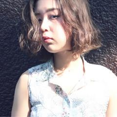 ガーリー ウェーブ 透明感 アンニュイ ヘアスタイルや髪型の写真・画像