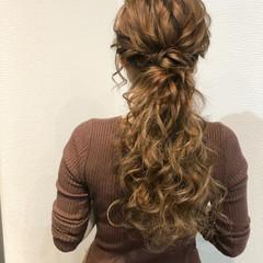 フェミニン ポニーテールアレンジ ねじり ヘアセット ヘアスタイルや髪型の写真・画像