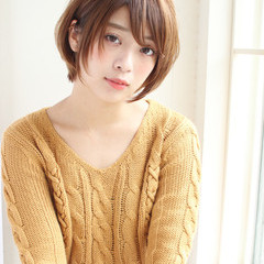 小顔 大人女子 ショート 冬 ヘアスタイルや髪型の写真・画像