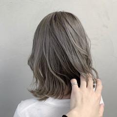 ラベンダーグレージュ ホワイトシルバー モード ホワイトグレージュ ヘアスタイルや髪型の写真・画像