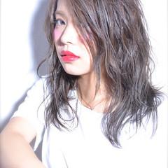 外国人風 セミロング ウェットヘア ガーリー ヘアスタイルや髪型の写真・画像