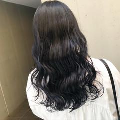 ネイビーブルー ブルーブラック ナチュラル 暗髪 ヘアスタイルや髪型の写真・画像