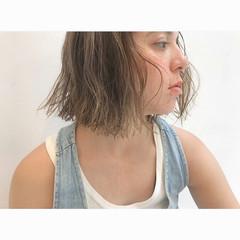 ウェーブ 外国人風 ナチュラル アンニュイ ヘアスタイルや髪型の写真・画像