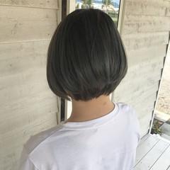 ナチュラル オリーブベージュ ショートボブ オリーブカラー ヘアスタイルや髪型の写真・画像