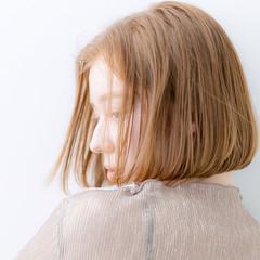 ボブヘアー ショートボブ 切りっぱなしボブ ミニボブ ヘアスタイルや髪型の写真・画像