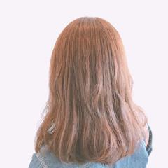 波ウェーブ イルミナカラー ミディアム ブラウンベージュ ヘアスタイルや髪型の写真・画像