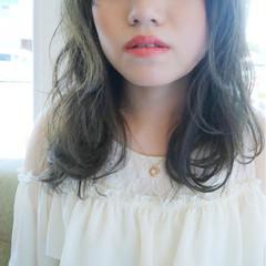 暗髪 ルーズ グレージュ ロング ヘアスタイルや髪型の写真・画像