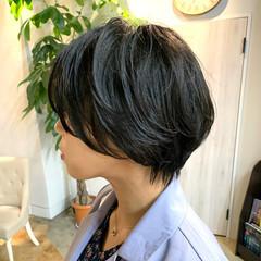 ハンサムショート パーマ 暗髪 ナチュラル ヘアスタイルや髪型の写真・画像