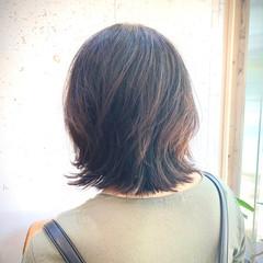 ガーリー セミロング ウルフカット ヘアスタイルや髪型の写真・画像