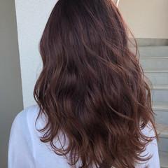 カシスレッド レッドカラー 透明感カラー ガーリー ヘアスタイルや髪型の写真・画像
