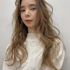 大人ヘアスタイル 3Dハイライト エレガント ロング ヘアスタイルや髪型の写真・画像