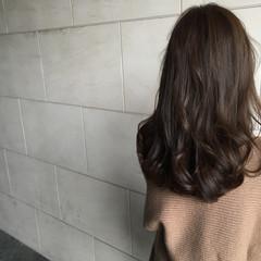 セミロング ナチュラル ゆるふわ ハイライト ヘアスタイルや髪型の写真・画像