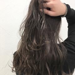 外国人風 前髪あり グレージュ ナチュラル ヘアスタイルや髪型の写真・画像