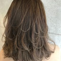 ストリート ミディアム レイヤーカット 外国人風 ヘアスタイルや髪型の写真・画像