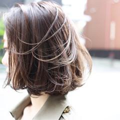 フェミニン ヘアアレンジ アウトドア ボブ ヘアスタイルや髪型の写真・画像
