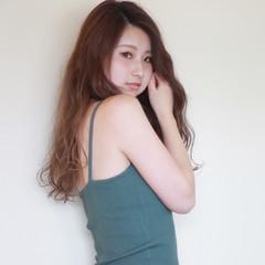 アッシュグレージュ 透明感 ロング 秋 ヘアスタイルや髪型の写真・画像