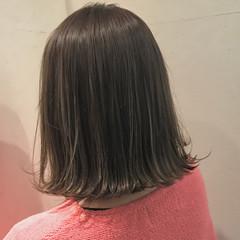 アッシュ ナチュラル 外ハネ 外国人風カラー ヘアスタイルや髪型の写真・画像