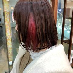 切りっぱなしボブ ミディアム ピンク インナーカラー ヘアスタイルや髪型の写真・画像