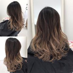 グレージュ グラデーションカラー ダブルカラー エレガント ヘアスタイルや髪型の写真・画像