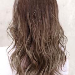 バレイヤージュ グラデーションカラー ロング ハイライト ヘアスタイルや髪型の写真・画像