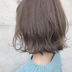 ロブ ナチュラル オリーブアッシュ ボブ ヘアスタイルや髪型の写真・画像