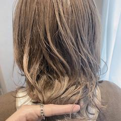 ミディアム ナチュラル 透明感カラー 大人可愛い ヘアスタイルや髪型の写真・画像
