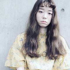 ガーリー 波ウェーブ 大人かわいい ウェーブ ヘアスタイルや髪型の写真・画像